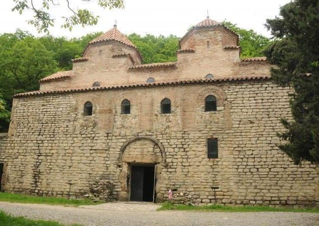 Храм Квелацминда в селе Вачнадзиани - святыня со странной судьбой