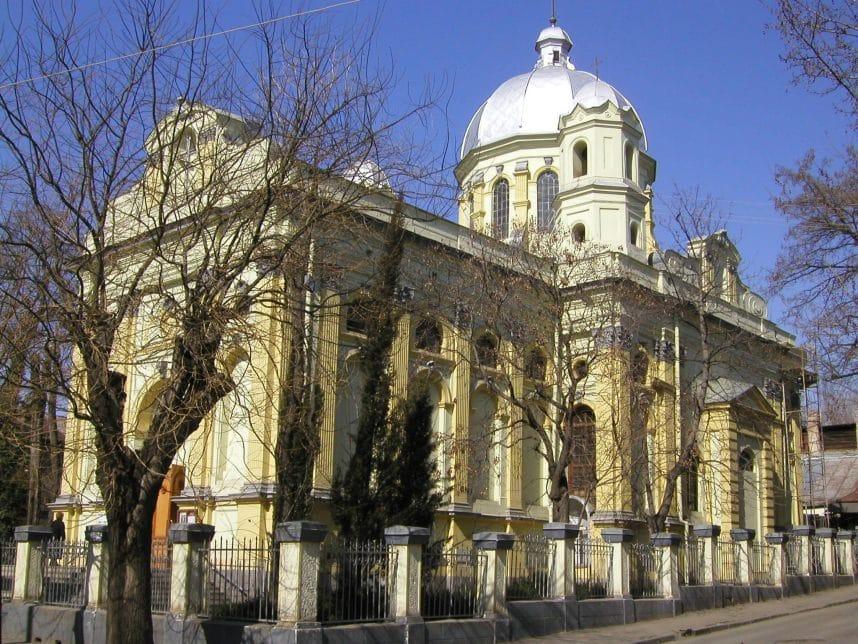 Katolicheskij sobor Petra i Pavla