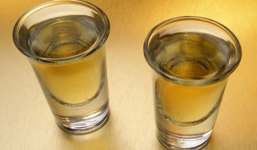 Чача - грузинский напиток из винограда