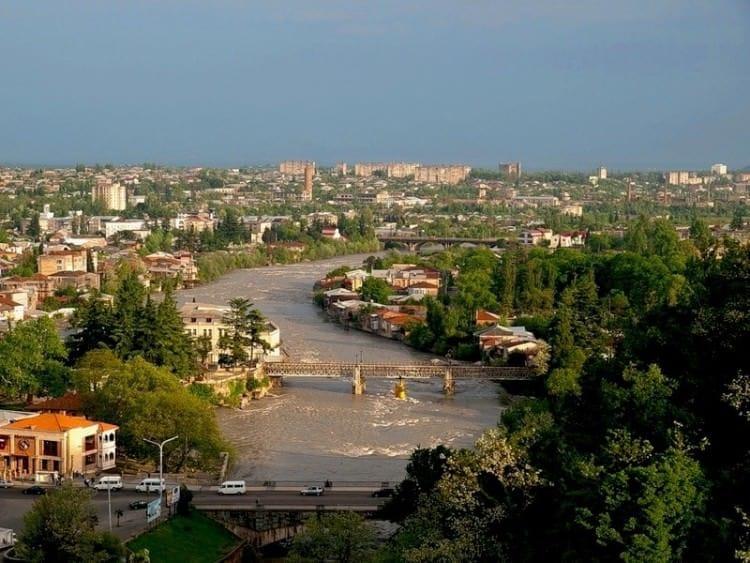 Кутаиси - спокойный и уютный город на западе Грузии
