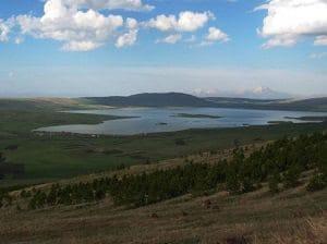 Хозапини - вулканическое озеро на границе Грузии и Турции