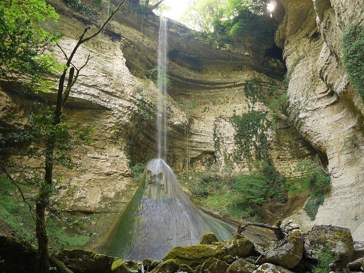 Шакуранский водопад - загадочное и удивительное место в Абхазии*