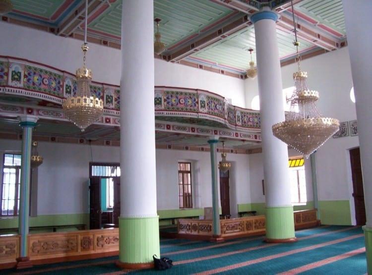 Мечеть Орта Джаме - самый известный мусульманский храм в Батуми