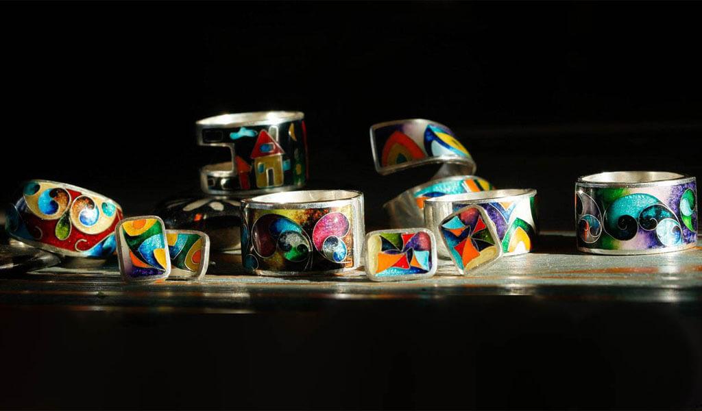 Тбилисская галерея перегородчатой эмали «Орнамент»