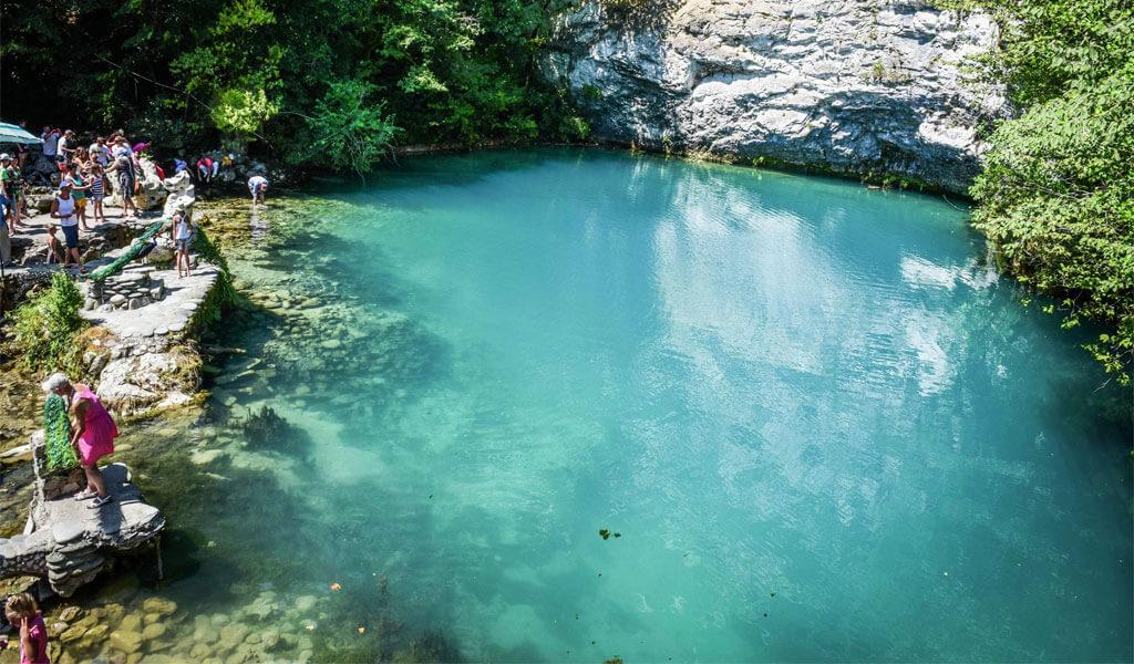 Голубое озеро - «драгоценность» Абхазии*