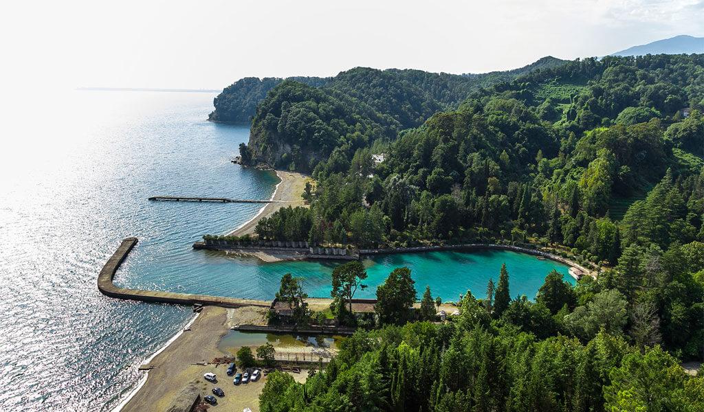 Пицундо-Мюссерский заповедник Абхазии*: древнейшие рощи Черноморского побережья