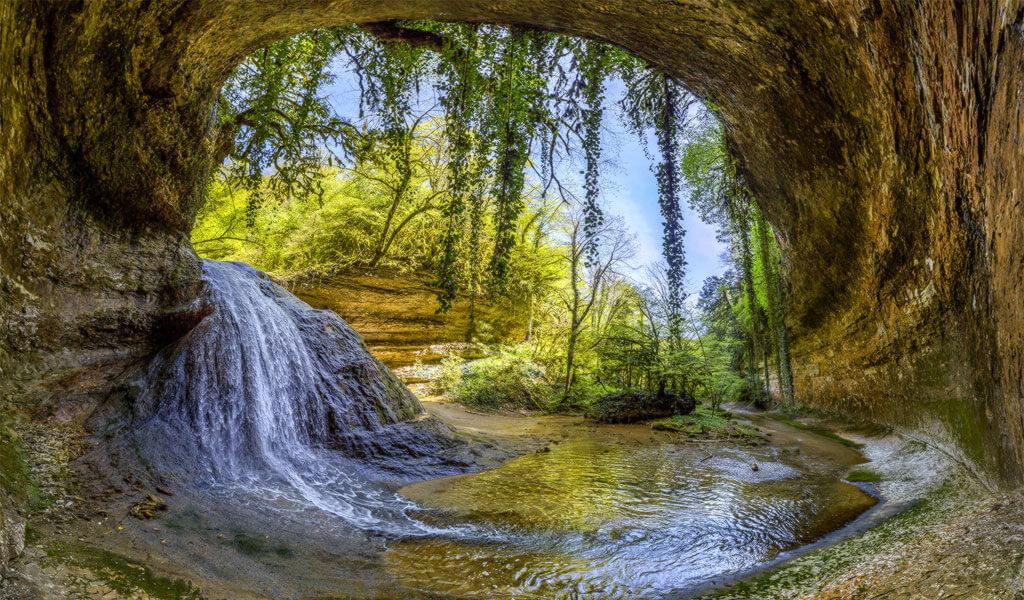Шакуранский водопад - загадочное и удивительное место в Абхазии