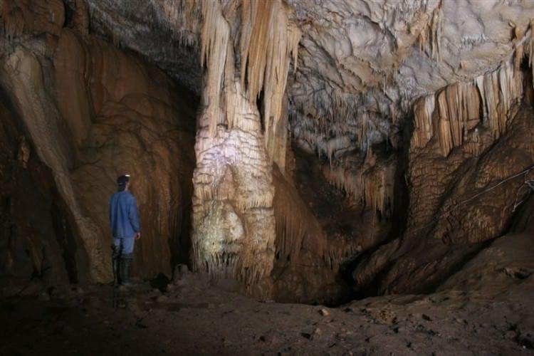 Пещера Абрскила в Абхазии* - таинственное место, овеянное легендами
