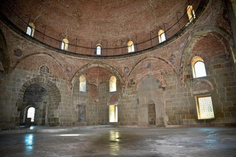 Мечеть Ахмедийе - памятник истории и архитектуры в Ахалцихской крепости Рабат
