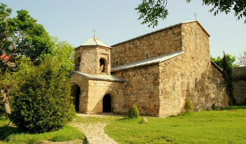 Храм Зедазени