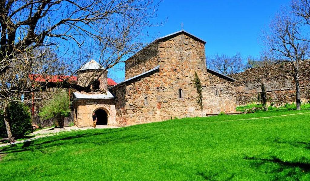 Храм Зедазени - древний православный монастырь вблизи города Мцхеты