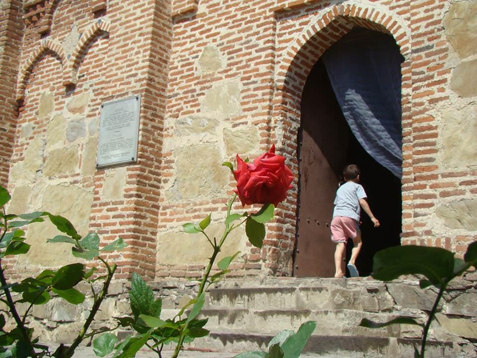 Царский замок Греми - красивейший памятник архитектуры
