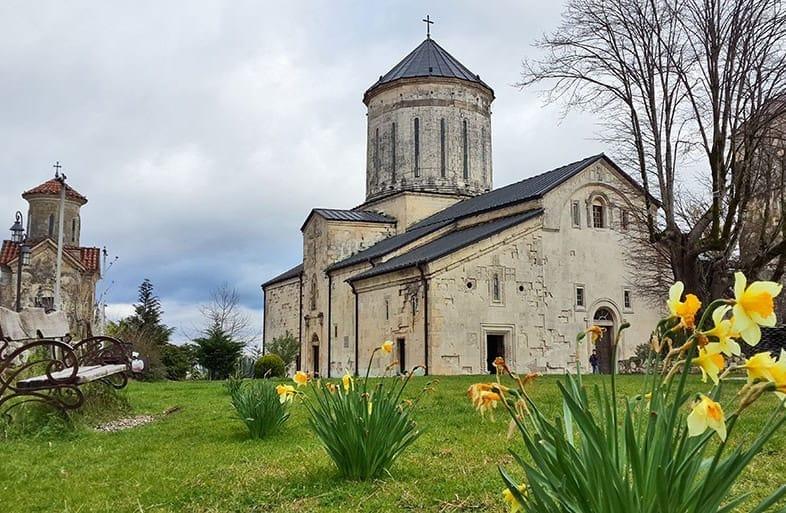 Старинный Мартвильский монастырь (Чкондиди)