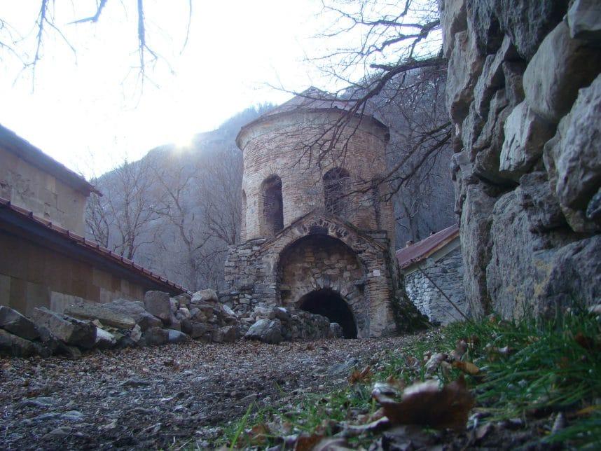 Особенности посещения монастыря Ркони