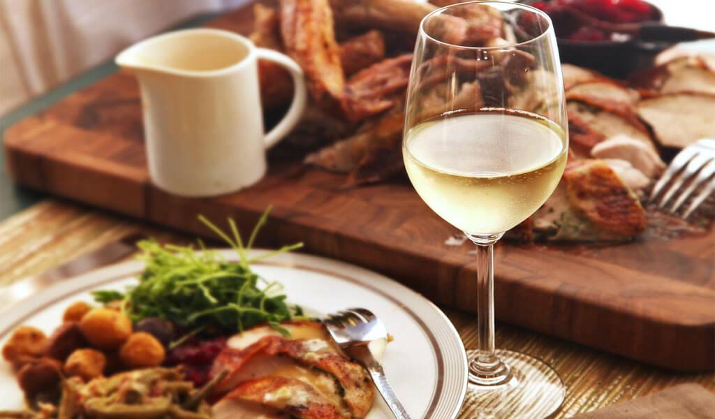Гурджаани - белое сухое марочное вино