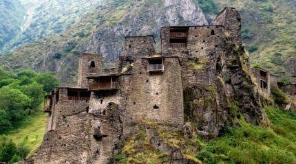 Путешествие в высокогорное село-крепость Шатили
