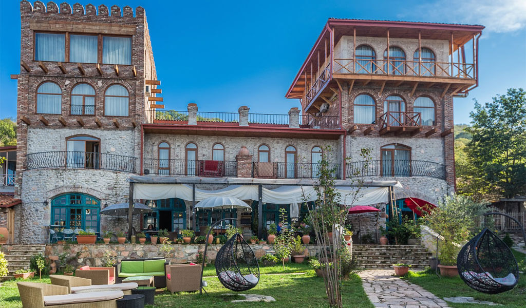 Шато Мере (Chateau Mere) - роскошный гостиничный комплекс в Алазанской долине