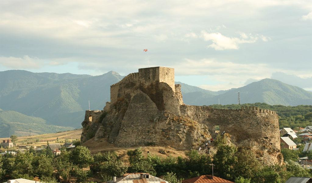 Неприступная Сурамская крепость