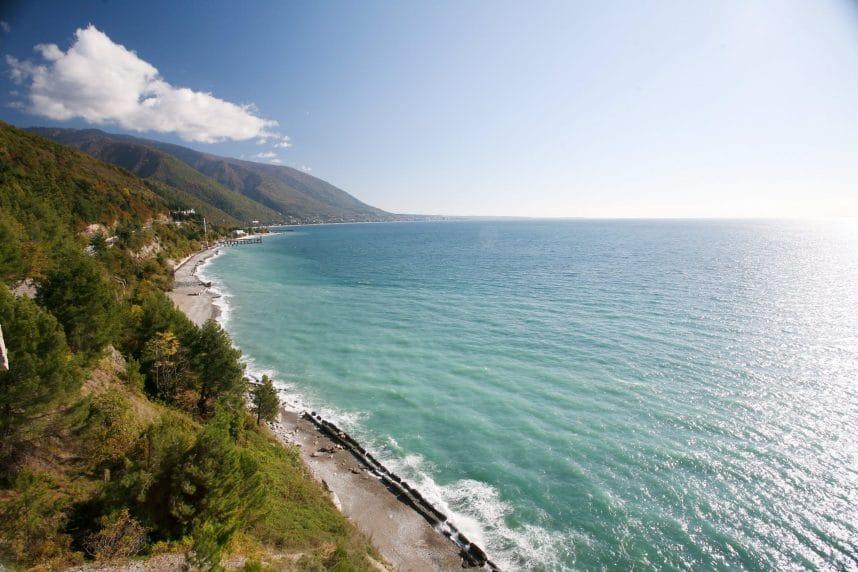Абхазия* - лучший отдых на берегу моря