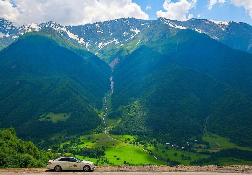 Арендуйте хорошее надежное авто для путешествий по Грузии с V-Georgia