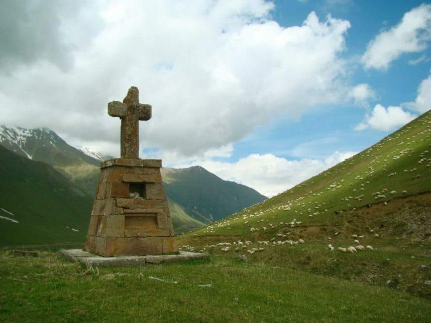 Тур в Казбеги с осмотром достопримечательностей