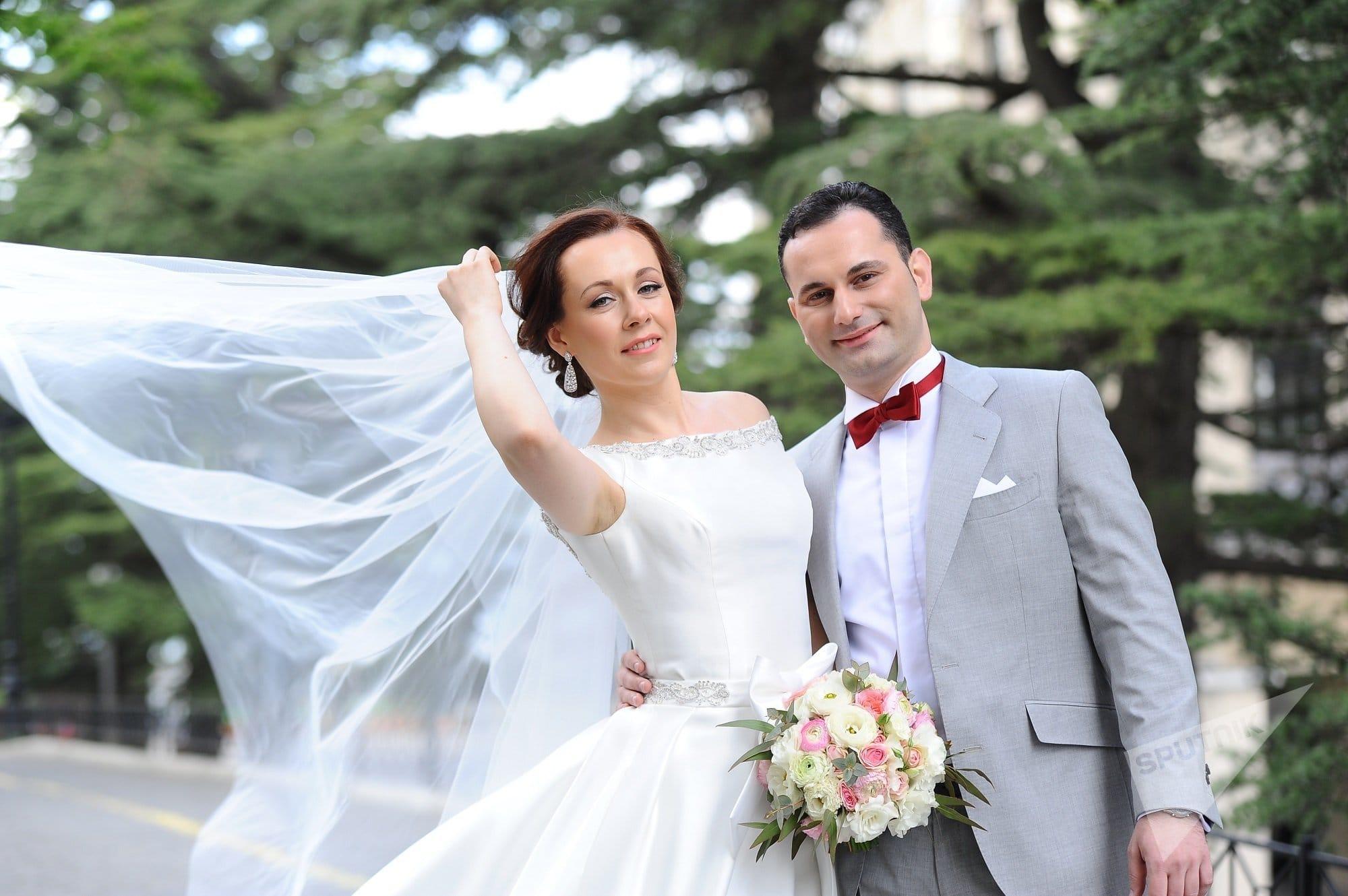 Свадьба в Грузии - жители Израиля приехали в Тбилиси сыграть свадьбу