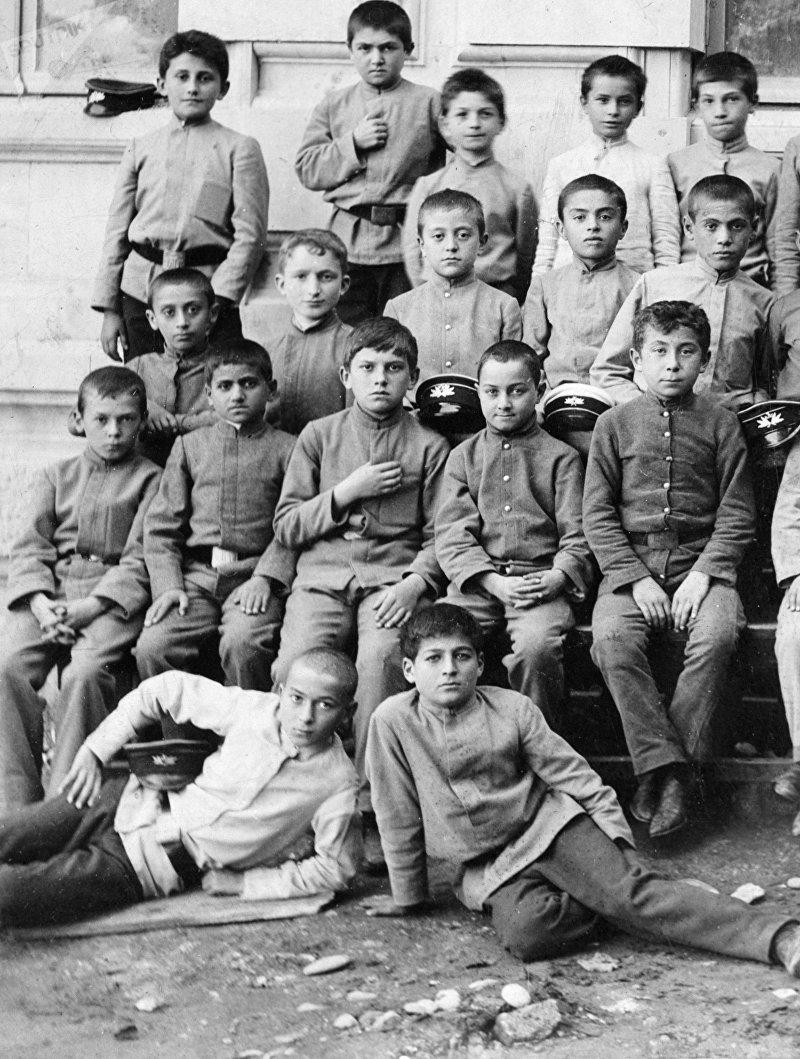 Маяковский и Грузия: встречи с родиной