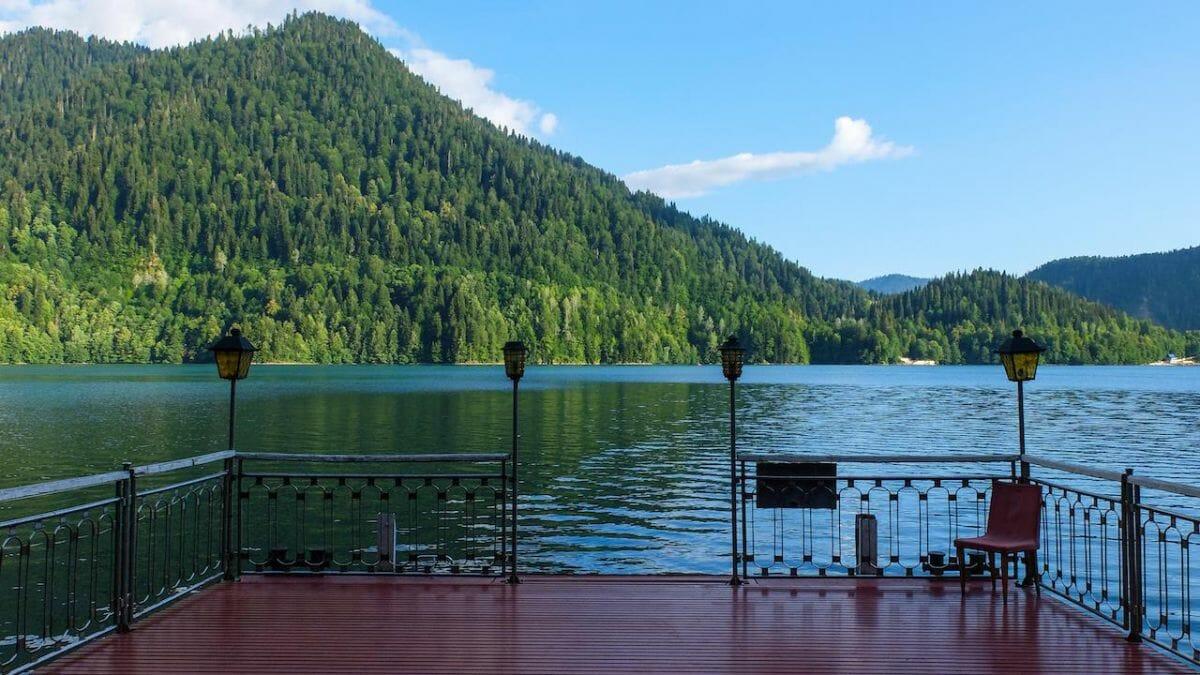 Любимая дача Сталина на озере Рица