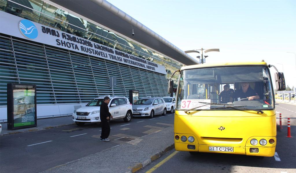 Как добраться из аэропорта Тбилиси в центр: автобусы, поезда, трансфер и такси