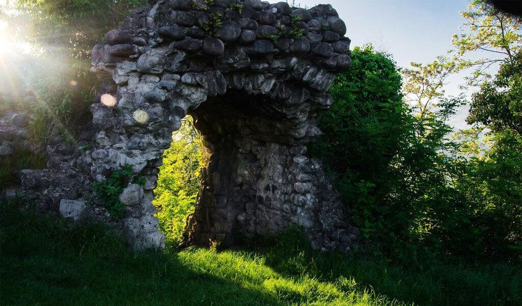 Замок Баграта в Сухуми – символ процветания Абхазского царства