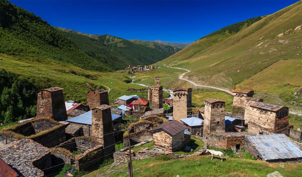Ушгули – соседство с орлами в горах