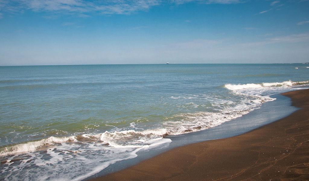 Какое море в Грузии - где провести пляжный отдых 2020?