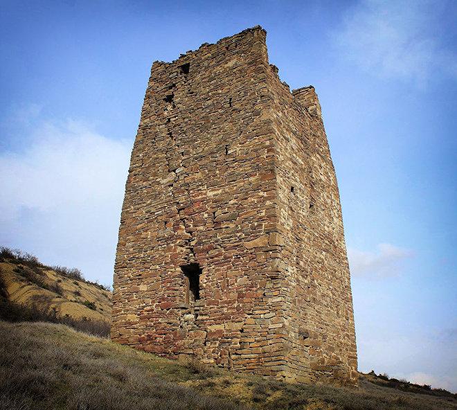 Оборонительная башня в селе Ховле